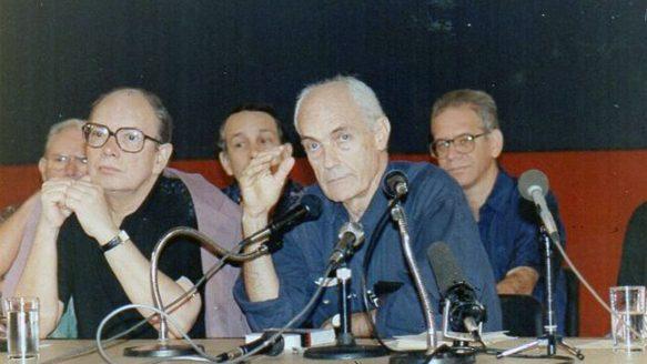 Titón y Alfredo Guevara en el Seminario Puentes y más Puentes. 1993