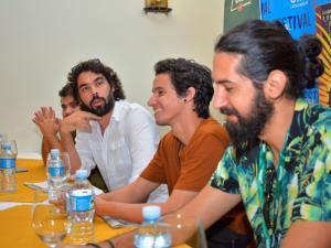 Cineastas jóvenes cubanos en conferencia de prensa. José Luis Aparacio, Carlos Lechuga, Daniel Santoyo, Ahmed Bueno.