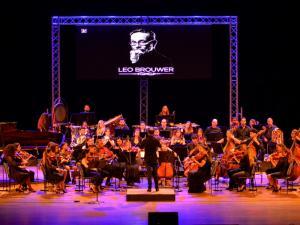 Gala de clausura en homenaje a Leo Brower, a cargo del Liceo Mozartiano de La Habana.