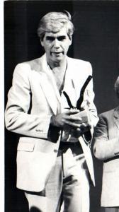 8vo Festival - Humberto Solas recibe el Primer Premio Coral por Un hombre de éxito (1986)