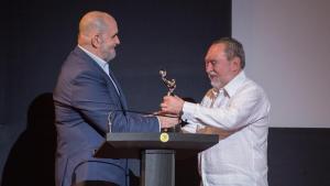 Entrega de Premio Platino Especial al Festival