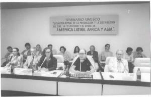 """Seminario UNESCO """"Situación actual de la producción y la distribución del cine, la televisión y el video en América Latina, África y Asia"""" (Festival 10, 1988)"""